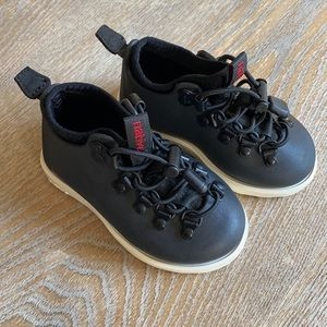 Native boys girls unisex fitzsimmons black shoes